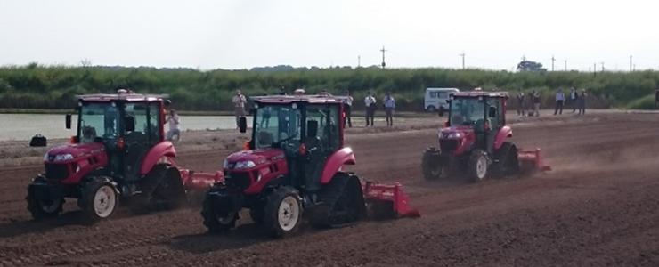 農場で活躍している様々な農機具