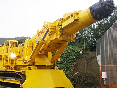 大型削岩機
