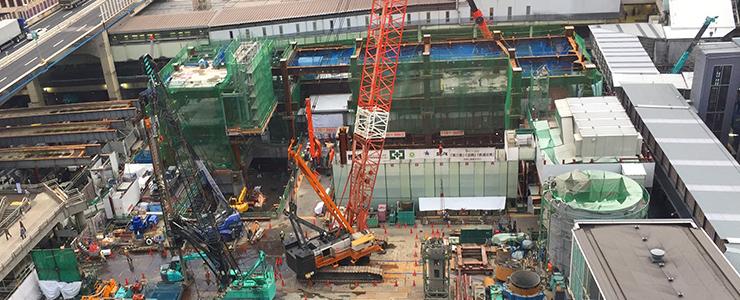 大規模建設現場でも活躍している様々な重機
